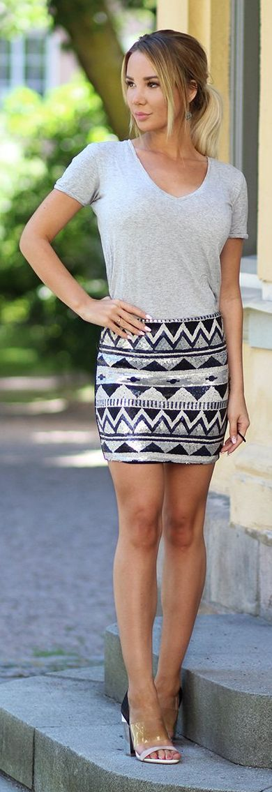 Kissies Grey Fit Tee Aztec Sequin Skirt Metal Mules