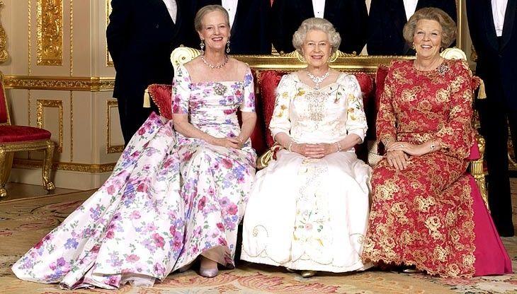 Reina Margarita de Dinamarca Reina Isabel II de Inglaterra Reina Beatriz de Holanda