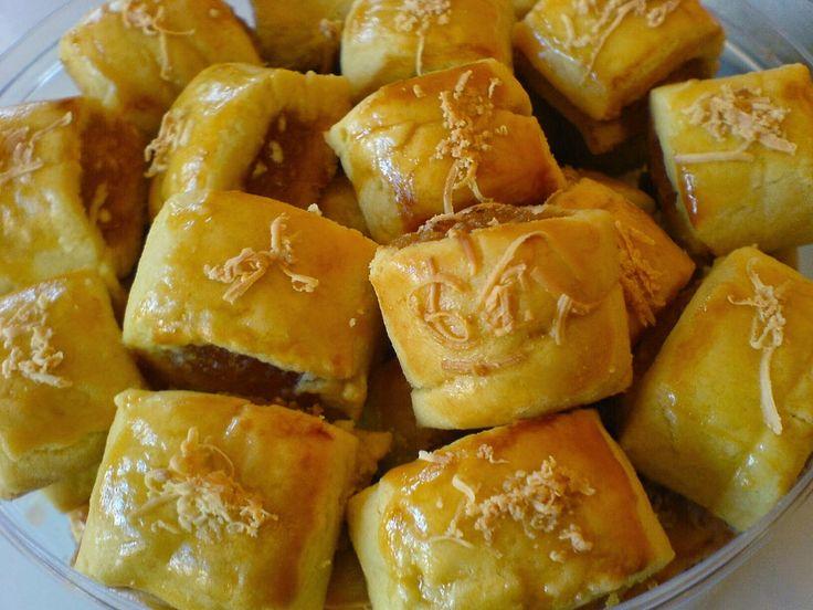 Resep Kue  Nastar Keju Selai Nanas dari anekaresepmasakannusantara.blogspot.com ini Spesial Empuk lho.. Gak Percaya? coba bikin deh :)
