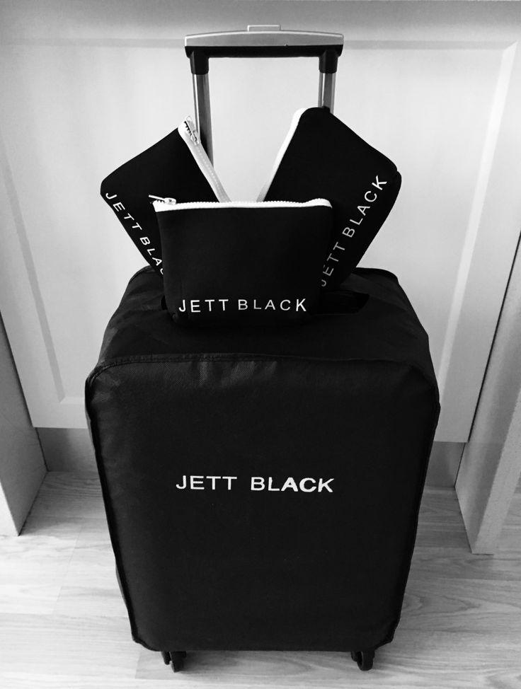 Jett Black Carry On - Packing Details - Stylish Travel #PackingInspo