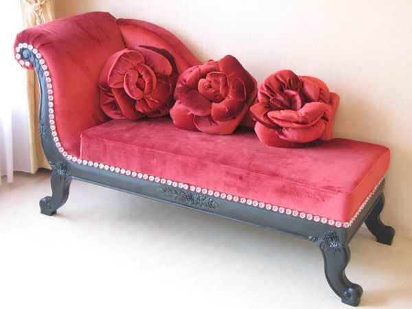 Madame Tussauds Red Velvet Chaise with red rose pillows : pink chaise - Sectionals, Sofas & Couches