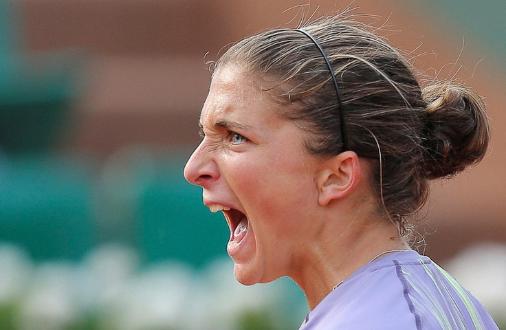 Sara Errani of Italy reacts during her womens singles match against Carla Suarez Navarro of Spain at the French Open tennis tournament at the Roland Garros stadium in Paris June 2, 2013. REUTERS/Stephane Mahe