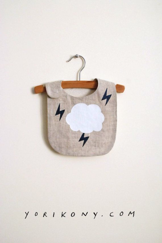 Bavaglino LOKI | White cloud & alleggerimento in shimmer vernice nero/blu marino | lino | mese 6-24 mesi +