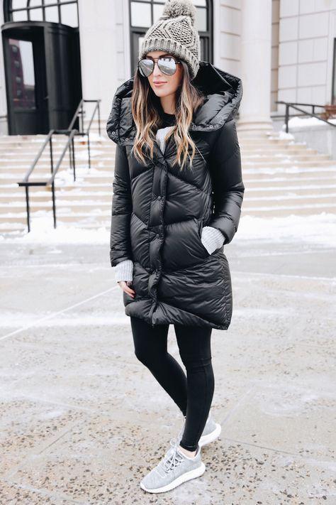 Para el invierno: la abrigo flojo, las mallas negras, el sombrero gris, los gafas de sol largo, y los zapatos de tenis grises $234 / 219,96 €