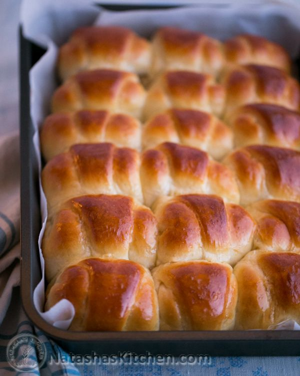 Sweet apple filled rolls. Irresistibly soft. These would be perfect for Easter. @NatashasKitchen