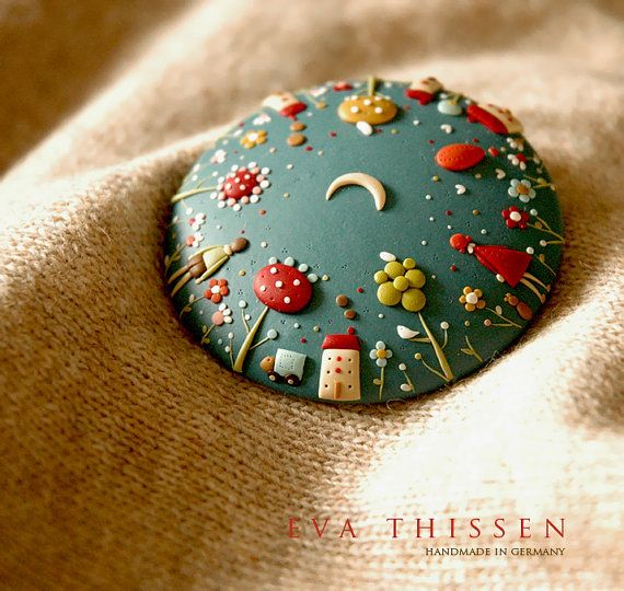 Eva Thissen - Starry Night Whimsical polymer clay cookie brooch This would make a good clay lid for Mason Jars screw style or plug with cork lid.