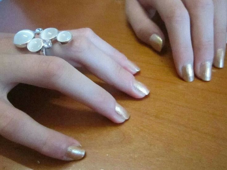 #ModE #me #roberta #unghie #nails #oro #gold   Seguimi, follow me: www.facebook.com/pages/ModE/40443306661391