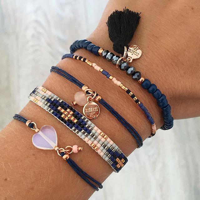 Bracelets bleu manifique tres affiné