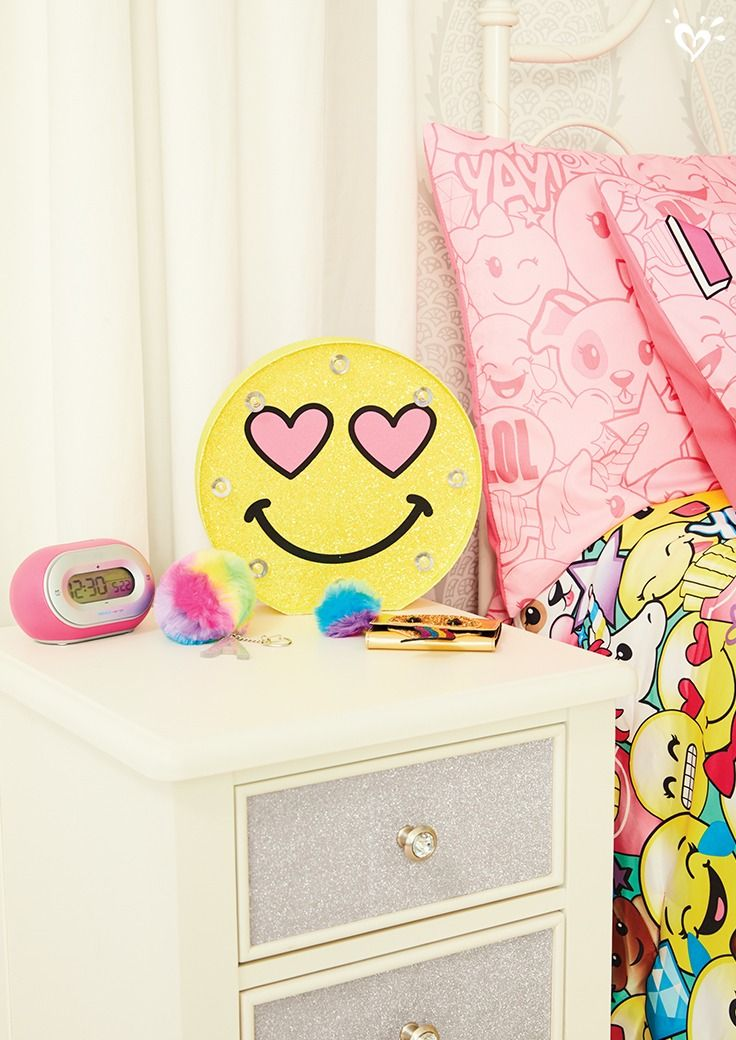 Girls room décor furniture bedding for tweens
