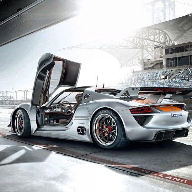 Epic Porsche Shot