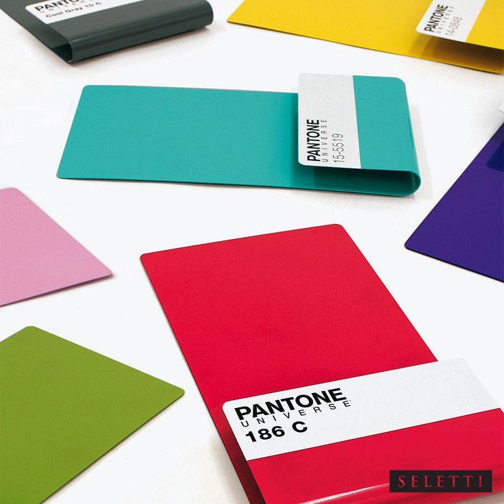 Pantone 286 Wallstore | Seletti | MetropolitanDecor