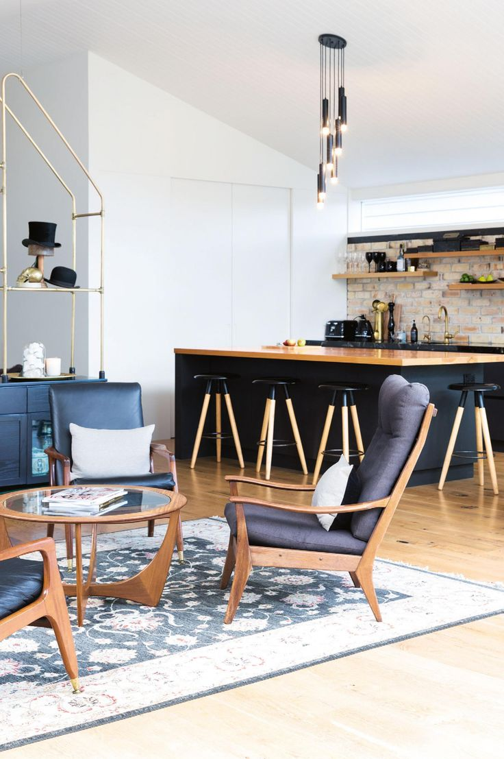 Renovation tips from a home that blends old and new. The June 2016 issue of Inside Out Magazine. Photography by Larnie Nicolson. Styling by LeeAnn Yare. Available from Zinio,www.zinio.com, Google Play, https://play.google.com/store/newsstand/details/Inside_Out?id=CAowu8qZAQ, Apple's Newsstand, https://itunes.apple.com/au/app/inside-out/id604734331?mt=8&ign-mpt=uo%3D4, and Nook.