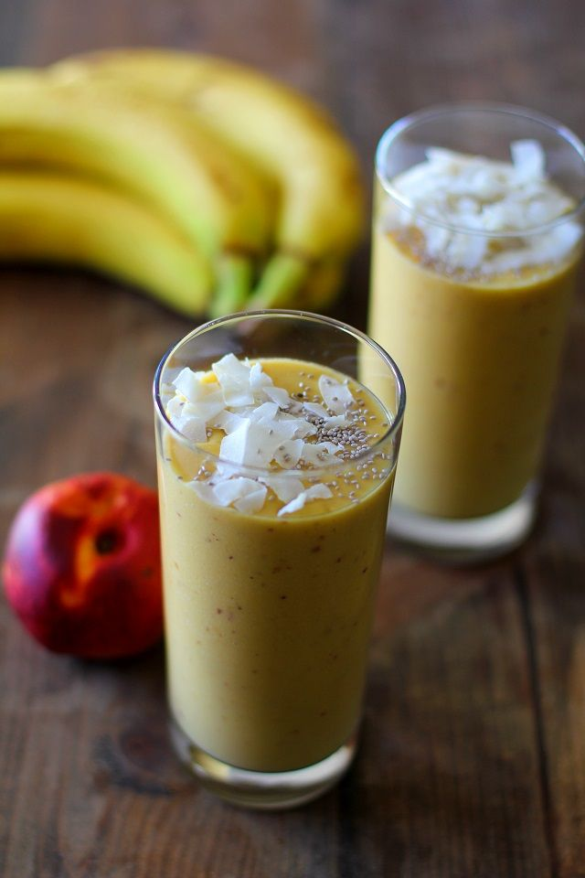Also known as the Wake up in Tropical Paradise Smoothie. Saturdeeeeeeee! Saturdeee smoothieeeeee! It's not every Saturday I post a recipe, but this smoothie is just too good not to share! Man…
