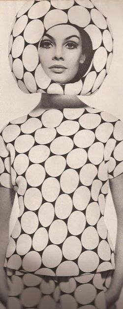 Mod Fashion Modeled by Jean Shrimpton. <3 Space Age Trend