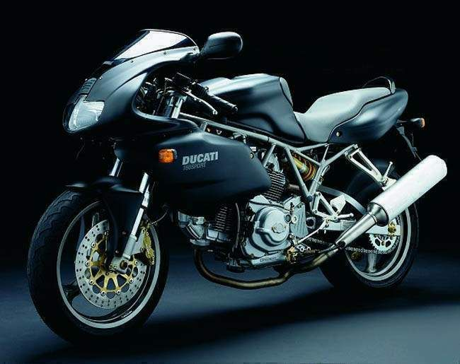 Ducati 748 - https://plus.google.com/101705772606589321660/posts/NzNWV4myRz8