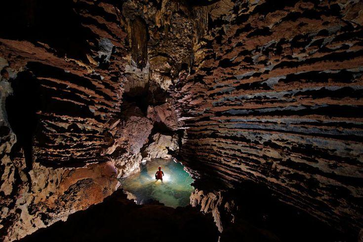 Hang Son Doong é parte de uma galeria de 150 cavernas no Parque Nacional Phong Nha-Ke Bang, a cerca de 500 quilômetros da capital, Hanoi
