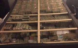 Ebisto: Έκρυβαν 20 εκατ. δολάρια κρυμμένα κάτω από στρώμα