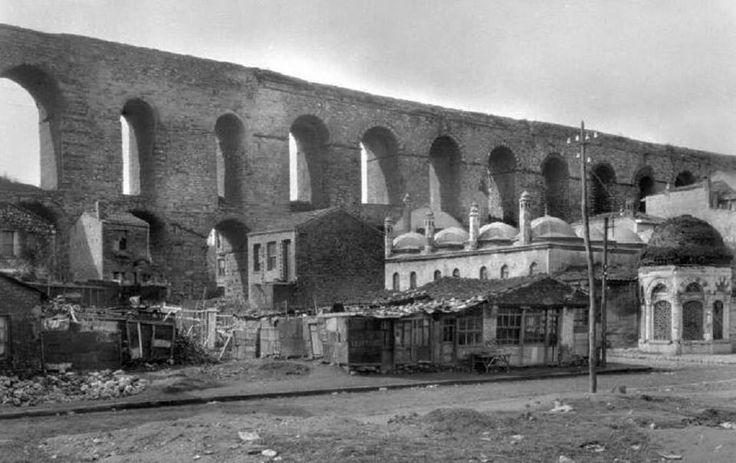 Atatürk Bulvarı açılmadan önce Bozdoğan Kemeri (1939 öncesi)