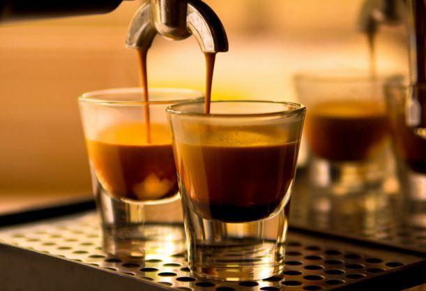 Piccolo, ristretto, macchiato: Nebuďte za blbce a naučte se správně pojmenovávat kafe, které pijete