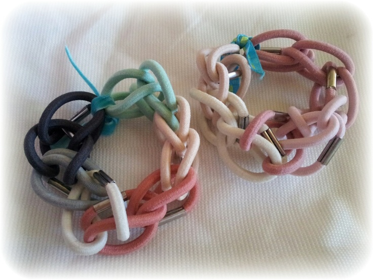 Pulseras con gomas de pelo: Wristbands, Rainbow Loom, Con Gomas, At, These Hands, These