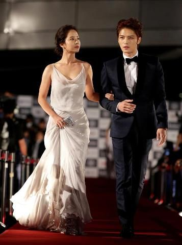 The 17th Busan International Film Festival Jihyo Looks Gorgeous And Jaejoong Look Suave