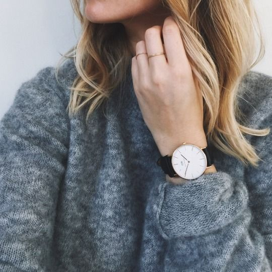 David Wellington watch with a comfy cute oversized grey jumper. With Blonde hair like this, it just seems perfect.
