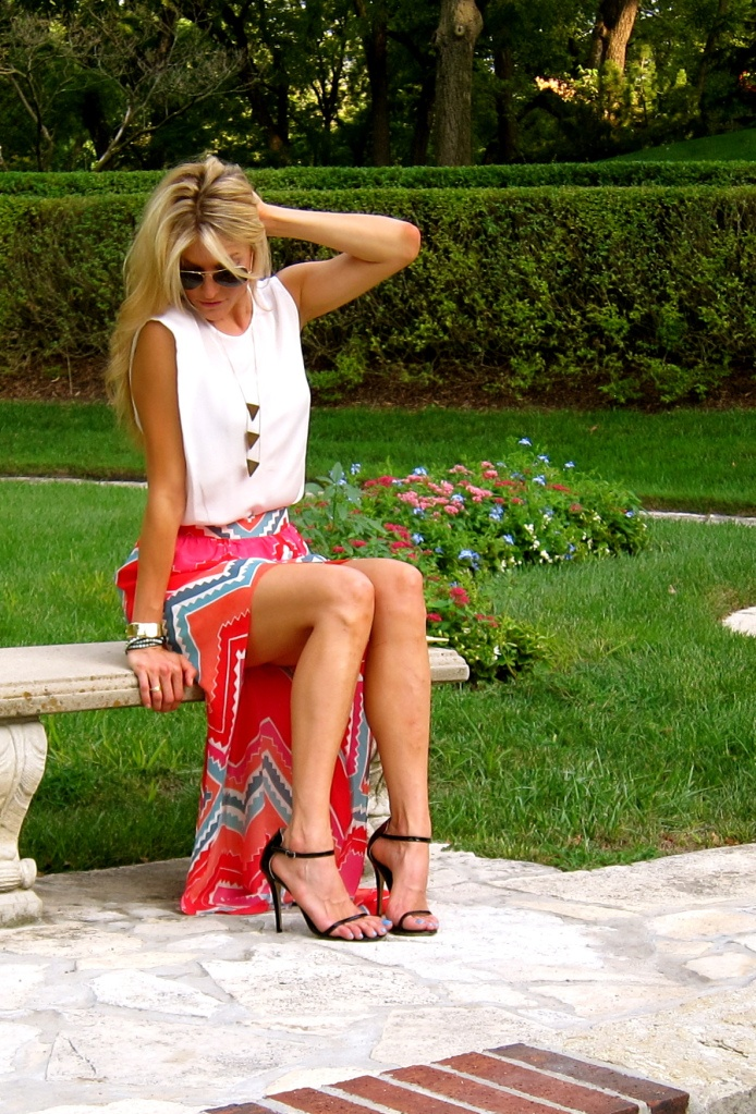 Aztec maxi skirt with high slits. Love that the top is conservatively high and the skirt is a tad risky.