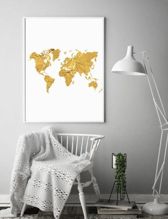 DIGITALE kunst INSTANT DOWNLOAD - wereld kaart gouden Print.  De print is ontworpen door mij, Clara, een Zweedse illustrator en ontwerper.  Onmiddellijke toegang tot 5 x PNG bestanden downloaden in hoge resolutie, na betaling. Zodra u de bestanden hebt kunt u uitprinten in uw huis of op uw lokale printers en zo vaak als u nodig hebt. Alle PNG-bestanden zijn hoge resolutie, zorgen voor schone, heldere prints in elke maat. Dit is een digitaal bestand. U zult een fysieke object niet ontvangen…
