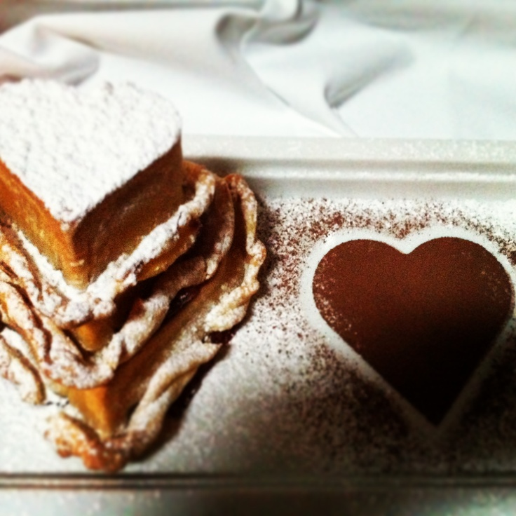 Love is ... Cake cake and once more cake!!!