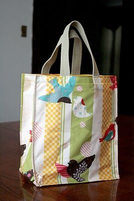 Tutorial - how to get the boxy shape.  this would sell at craft fairs..Always need a shopping bag.