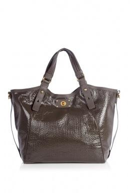 similar to my new purse: Handbags Wholesaling, Design Handbags, Burberry Handbags, Totes Bags, Marc Jacobs, Jacobs Turnlock, Handbags Outlets, Handbags Online, Classic Totes