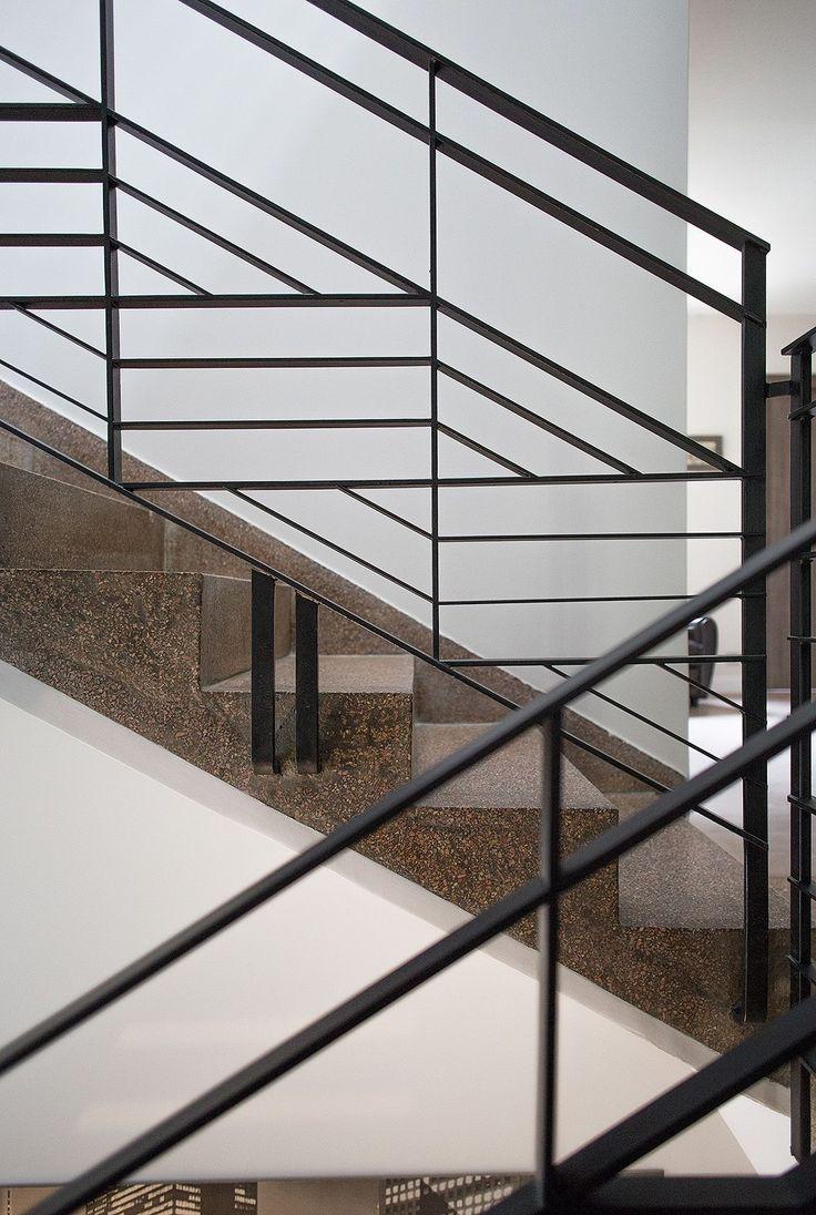 les 25 meilleures id es de la cat gorie garde corps sur pinterest garde corps escalier. Black Bedroom Furniture Sets. Home Design Ideas