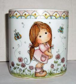 Olá pessoal!!   A produção de porcelana anda a todo vapor, já estou aceitando novas encomendas, inclusive vim mos...
