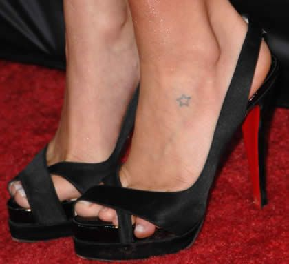 90 Most Adorable Small Tattoos in Hollywood - Best Tiny ...
