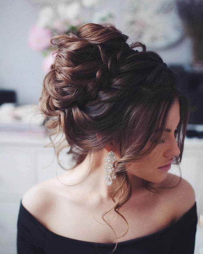Coiffure De Mariage Chignon Coiffure De Fete Chignon Coiffure Fete Mariage Messy Wedding Hair Hair Styles Long Hair Styles