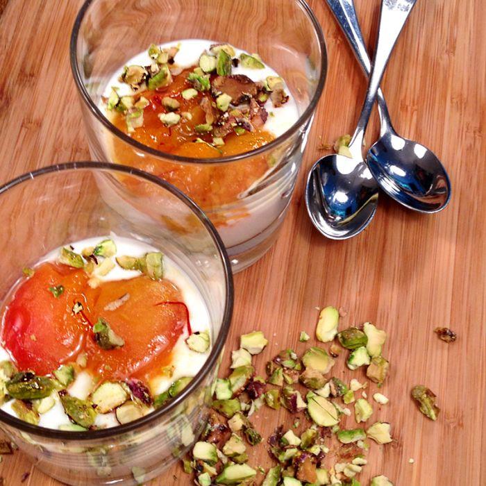 gemarineerde-abrikoos-met-yoghurt-en-pistache-naareigensmaak
