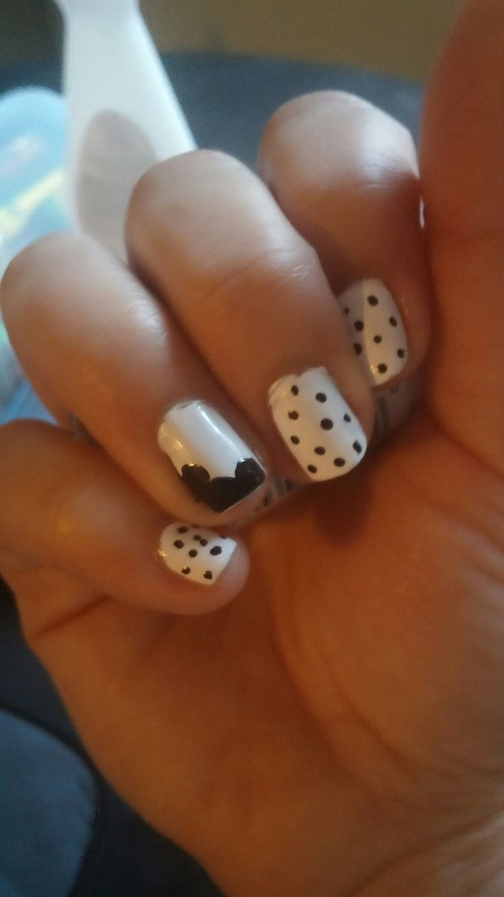 Simple nails design. Mickey
