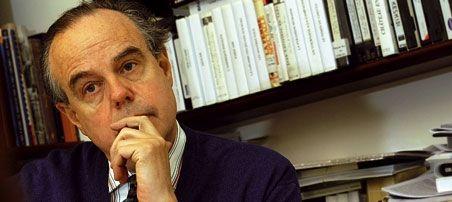 Frédéric Mitterrand prix du Livre politique 2014 : L'ancien ministre de la Culture et de la Communication a été récompensé aujourd'hui dans le cadre de la 23e Journée du livre politique. Louis Mermaz a reçu le Prix des députés...
