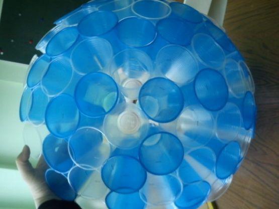 Елочные игрушки из пластиковой посуды своими руками
