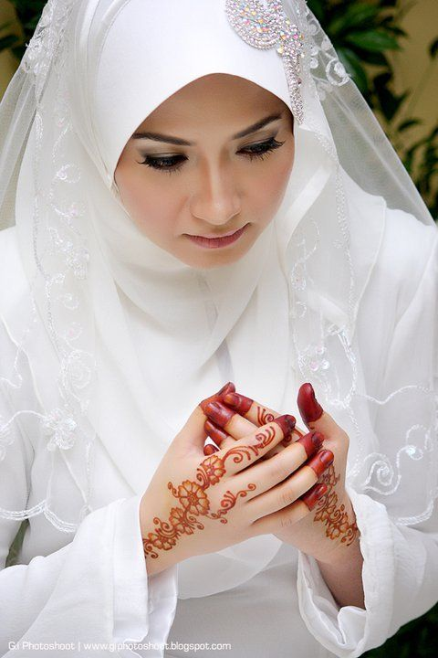 Muslimah in her wedding day, Indonesia