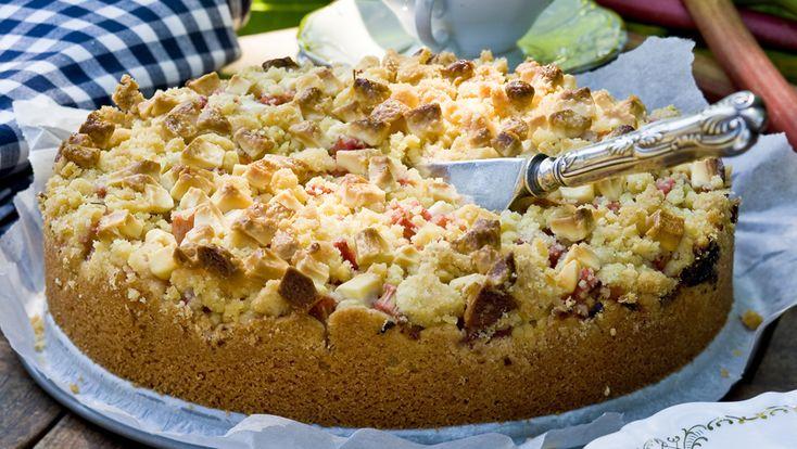 Mjuk kaka med rabarber och vit choklad – recept | Allers