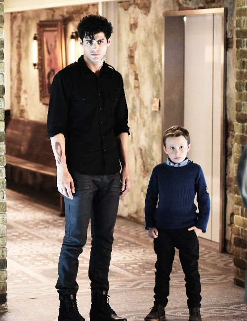 Shadowhunters S1E8 Alec and Max Lightwood