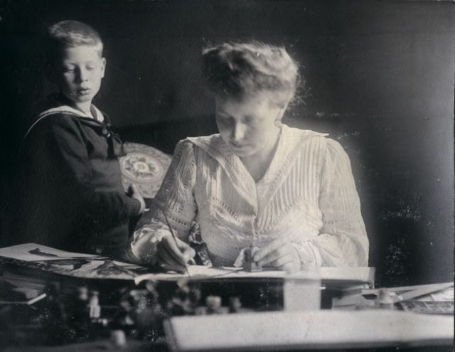 Carol with his mother