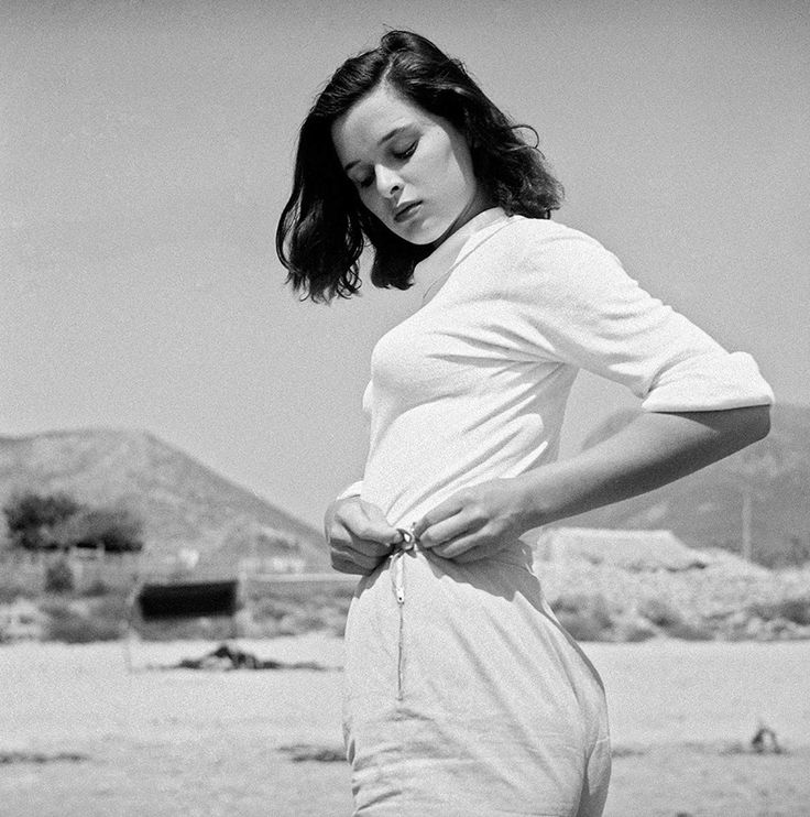 So beautiful Italian actress: Lucia Bosé, 1949