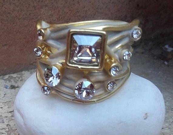 Anillo ondas Oro Mate Cristales de Swarosvky Boca rusa Redondo