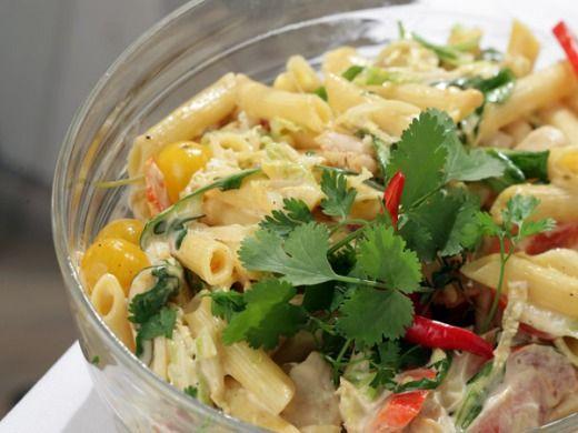 Kuřecí salát s těstovinami