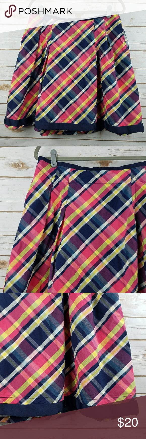 """LL BEAN Navy & Pink Plaid Skirt w/ Pockets Women's LL Bean Pleated Plaid Skirt 2 front pockets Pre-owned in good condition. No stains, rips or holes.   Tag Size: 10 Reg waist: 32"""" overall length: 20"""" *all measurements are approximate and taken with the item laying flat. L.L. Bean Skirts"""