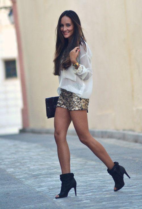 Lentejuelas para la noche  , Zara en Camisas / Blusas, Zara en Pantalones cortos, Zara en Botines, Zara en Clutches