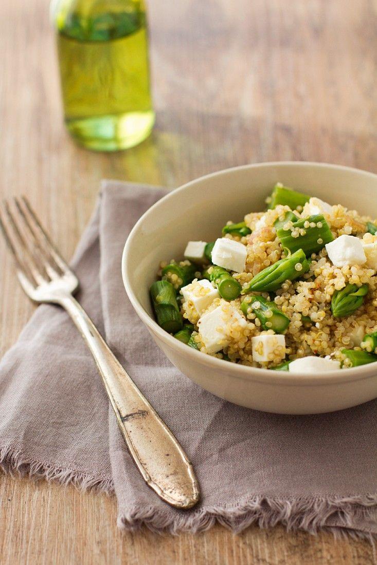 Quinoasalat mit Spargel | Zeit: 30 Min. | http://eatsmarter.de/rezepte/quinoasalat-mit-spargel