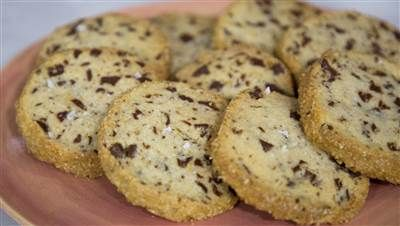 Yes, those chocolate-chunk shortbread cookies all over Instagram are THAT good